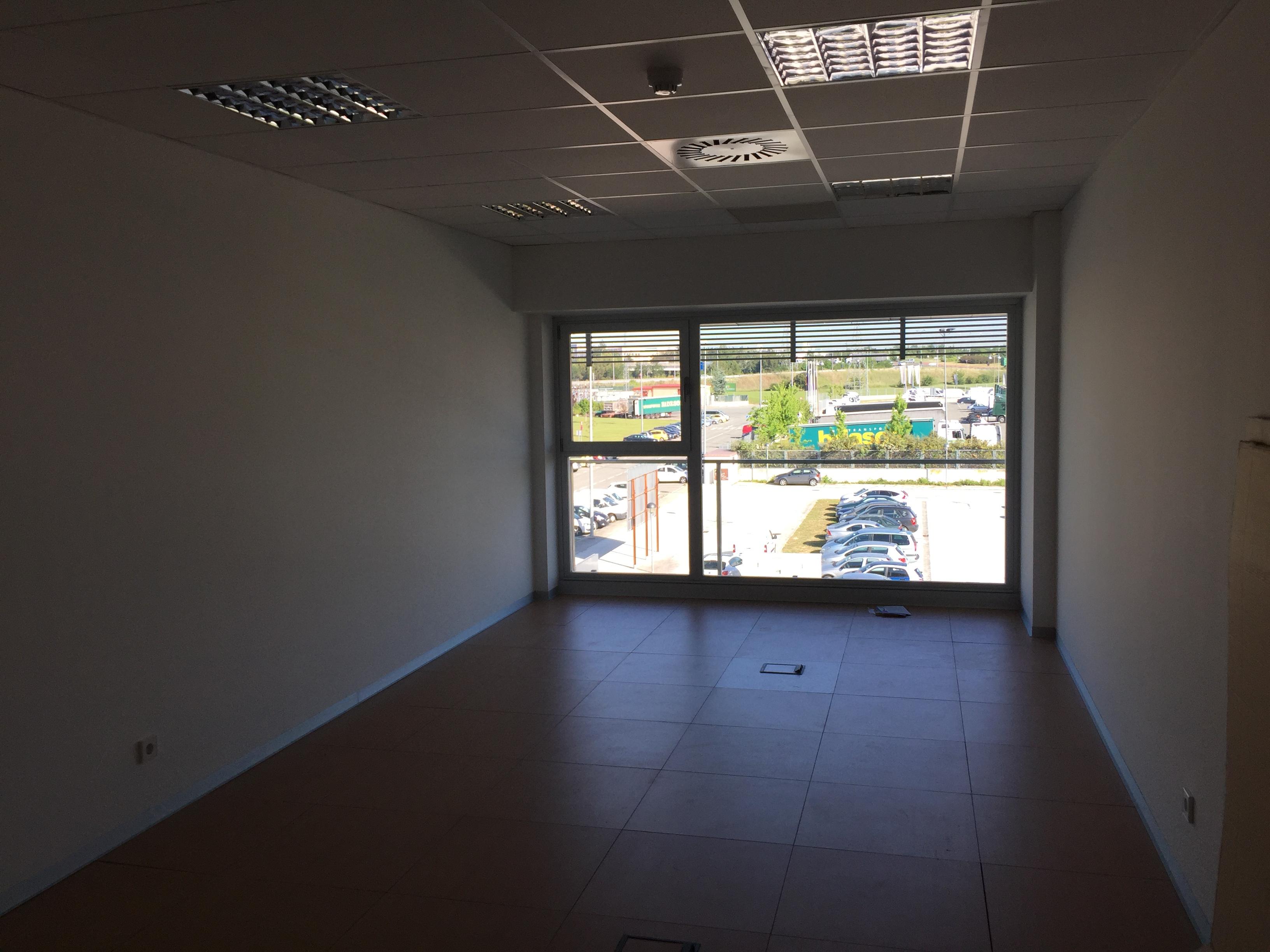Venta viviendas lezkairu promociones irabia pamplona for Pisos caja rural navarra